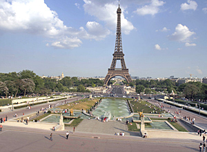 Rent a limo with driver to discover PARIS